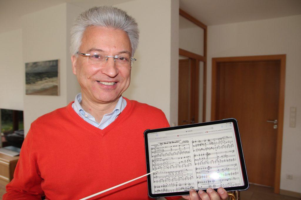 Dirigent Dietmar Kay vor erster digitaler Probe